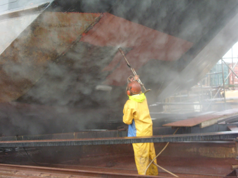 Ultra High-Pressure Water Blasting in action